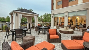 Hilton Garden Inn MSP - Patio